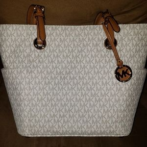 Michael Kors Jet Set Vanilla Signature Tote Bag